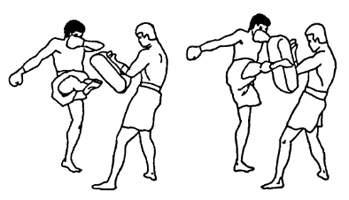 Отработка ударов ногами в тайком боксе