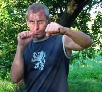 Боковой удар рукой в тайском боксе