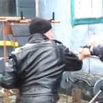 Удар локтем в уличной драке: видео урок