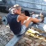 Подъемы туловища на наклонной скамье