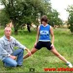 Упражнения для растяжки ног. Видео урок
